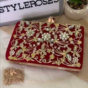 🔥🔥🔥NWT-Red beaded evening clutch❤️❤️❤️